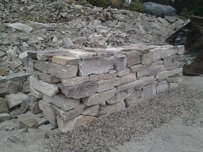 Ladottava muuri