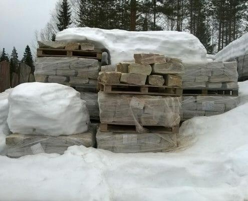 Lumitilanne louhoksella
