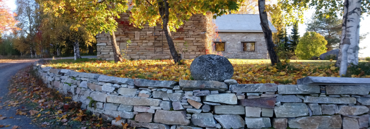Syyskuva ja kivet